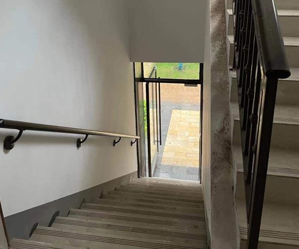 锌钢楼梯栏杆图2